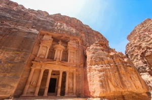 Zid was inspired by this picture of Petra in Jordan. The whole city is buit into the walls of a canyon system.